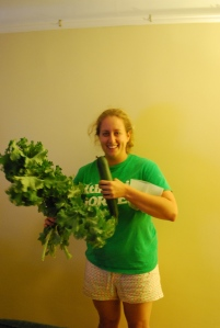 Jackie also brought me the bounty from her pea patch! yum, Kale!