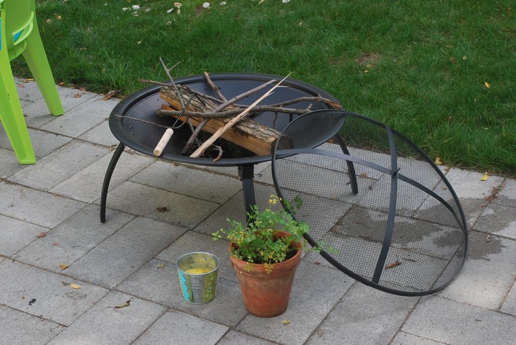 backyard round-up - The Ravenna Girls on Ace Hardware Fire Pit id=20478